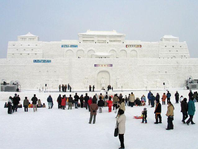 791px-Asahikawa_Winter_Festival_Snow_Statue_1